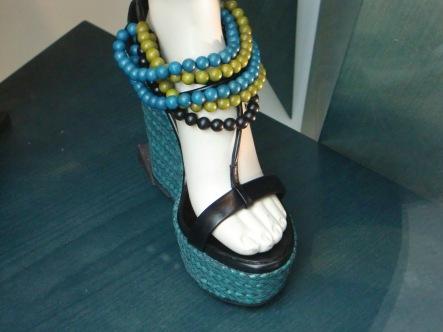 http://it.burberry.com/store/bags-shoes/shoes/?WT.ac=LP_MAR_BS_B11_SHOP_WEDGES38185071#wedges=true