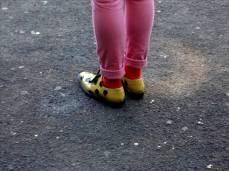 yellow pois