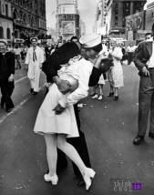 Sailor Kiss - Roberto Doisneau