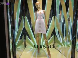 versace window shop2