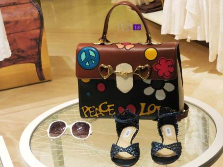 Moschino peace and love
