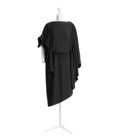 black dress 149 €